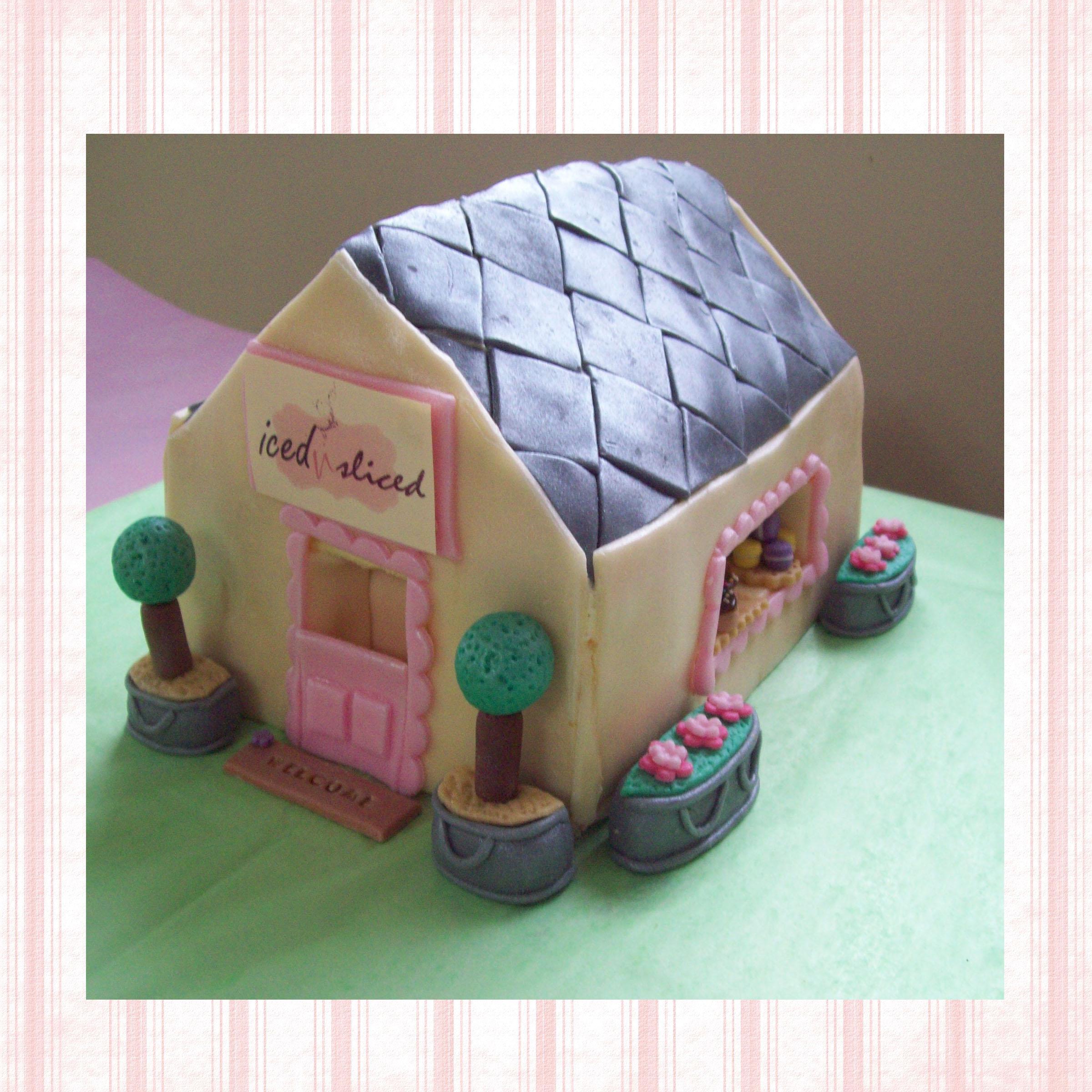 Ice and Sliced Ayesha Cake Shoppe Cake